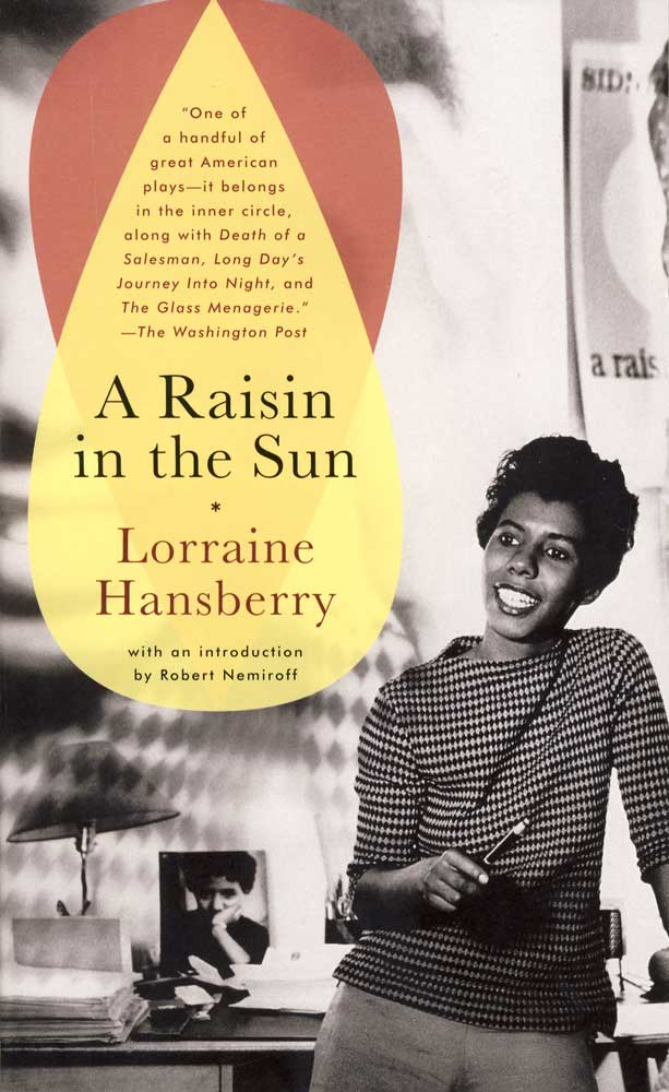 A Raisin in the Sun Paperback Book (NP)